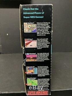 Ensemble Super Mario World Emballé Dans Une Boîte Grise En Console Grise