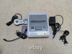 Original Super Nintendo Snes Avec 1 Contrôleur Et Cords Pas De Jeux
