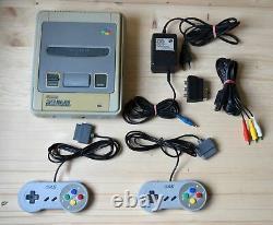 Snes Super Nintendo Konsole Mit 2 Controller (gebrauchter Zustand)