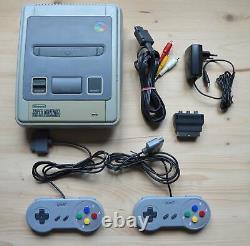 Snes Super Nintendo Konsole Mit 2 Controller (guter Zustand)