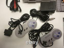 Snes Super Nintendo Système De Jeu Vidéo Bundle Avec 2 Contrôleurs Et 4 Jeux Travaux