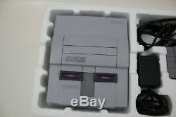 Super Nintendo Snes Console Avec Super Mario World Dans L'encadré Manuels Complet Cib